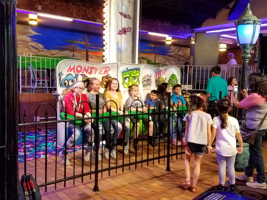 picture of kids at amusement park